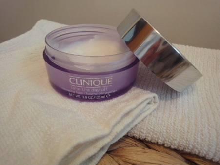 http://nz.strawberrynet.com/skincare/clinique/take-the-day-off-cleansing-balm/51612/?langBox=nz Clinique Take The Day Off Balm - Cleanser